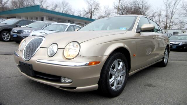 2003 Jaguar S-Type DISCLAIMER We make every effort to present information that is accurate Howeve