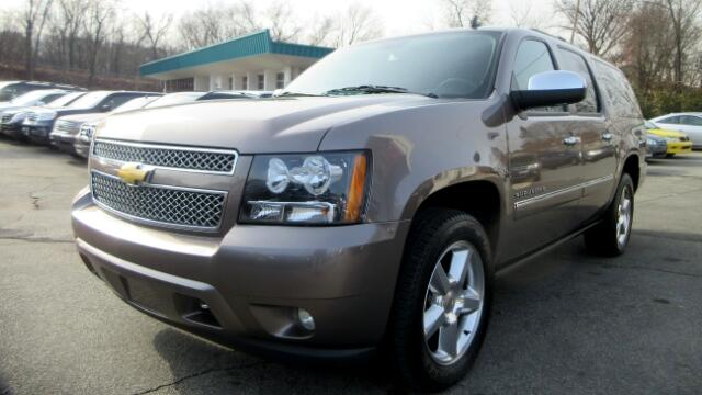 2013 Chevrolet Suburban DISCLAIMER We make every effort to present information that is accurate H