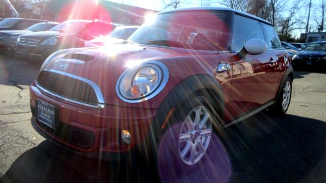 2011 MINI Cooper DISCLAIMER We make every effort to present information that is accurate However