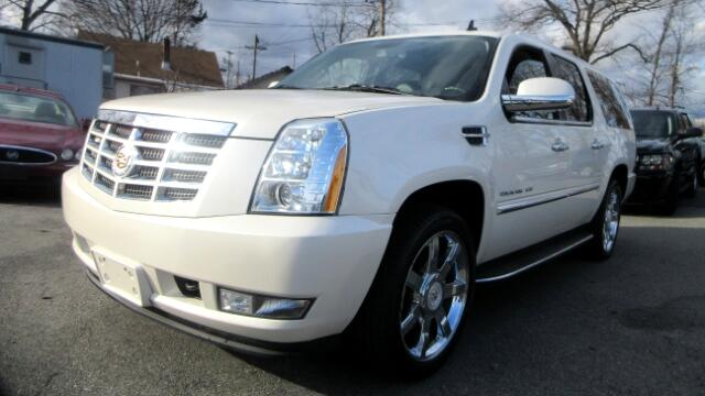 2011 Cadillac Escalade DISCLAIMER We make every effort to present information that is accurate Ho