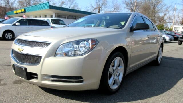 2009 Chevrolet Malibu DISCLAIMER We make every effort to present information that is accurate How