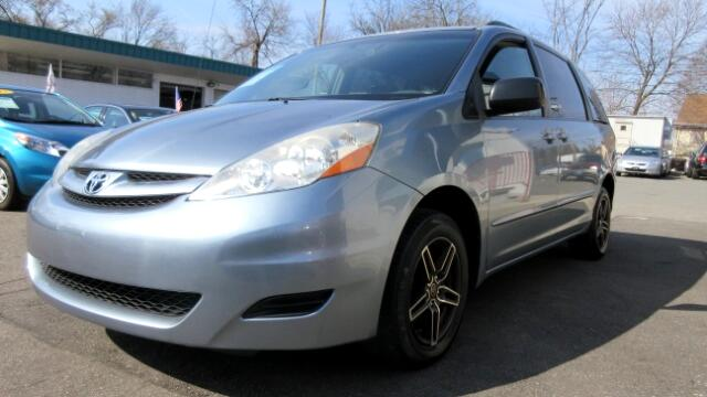 2009 Toyota Sienna DISCLAIMER We make every effort to present information that is accurate Howeve