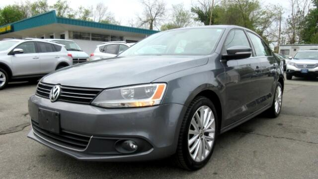 2011 Volkswagen Jetta DISCLAIMER We make every effort to present information that is accurate How