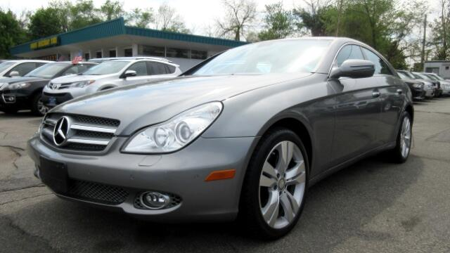 2010 Mercedes CLS-Class DISCLAIMER We make every effort to present information that is accurate H
