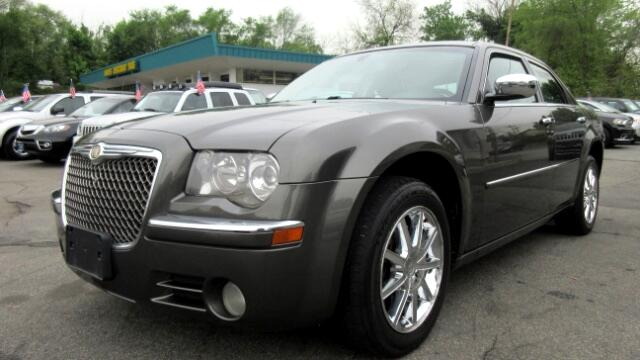 2010 Chrysler 300 DISCLAIMER We make every effort to present information that is accurate However
