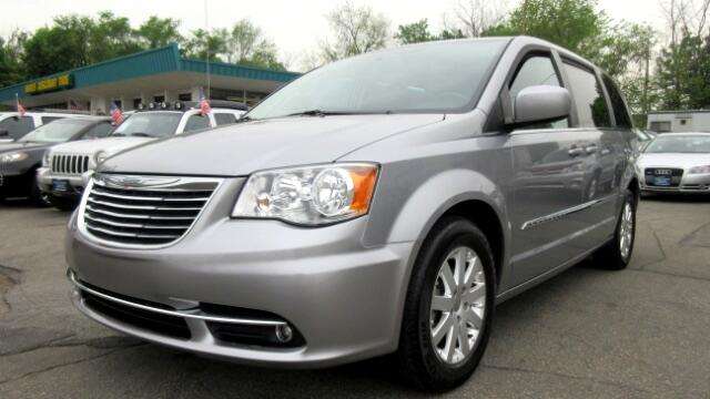 2014 Chrysler Town  Country DISCLAIMER We make every effort to present information that is accura