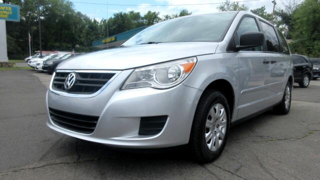 2010 Volkswagen Routan DISCLAIMER We make every effort to present information that is accurate Ho