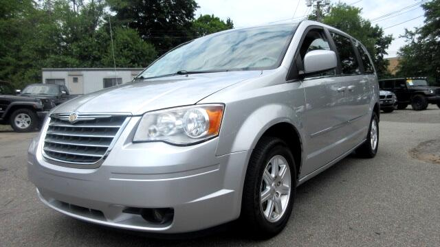 2009 Chrysler Town  Country DISCLAIMER We make every effort to present information that is accura