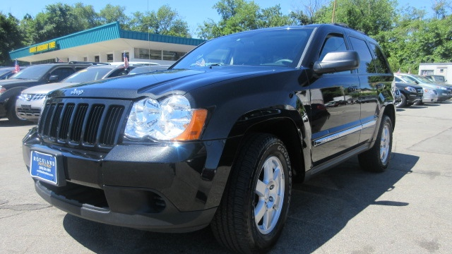 2010 Jeep Grand Cherokee DISCLAIMER We make every effort to present information that is accurate