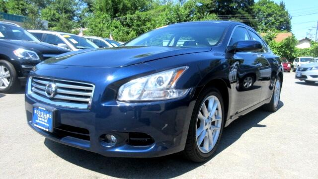 2013 Nissan Maxima DISCLAIMER We make every effort to present information that is accurate Howeve