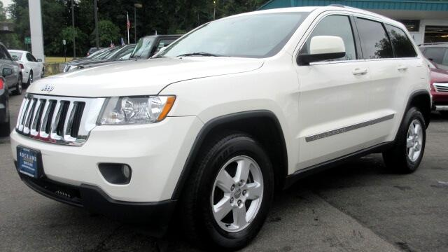 2011 Jeep Grand Cherokee DISCLAIMER We make every effort to present information that is accurate