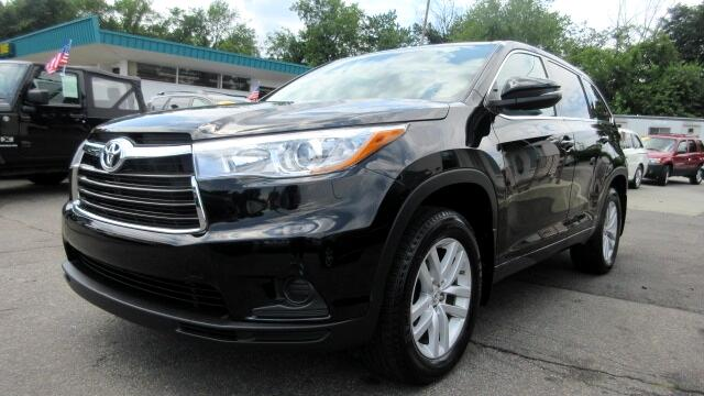 2015 Toyota Highlander DISCLAIMER We make every effort to present information that is accurate Ho