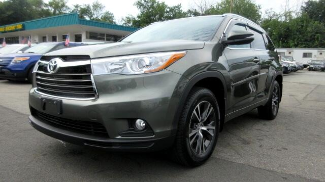 2016 Toyota Highlander DISCLAIMER We make every effort to present information that is accurate Ho