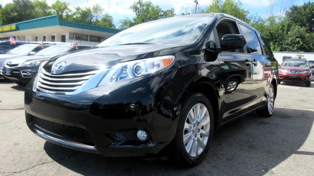 2013 Toyota Sienna DISCLAIMER We make every effort to present information that is accurate Howeve