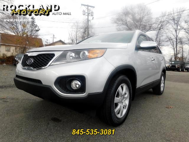 2013 Kia Sorento DISCLAIMER We make every effort to present information that is accurate However