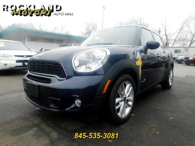 2014 MINI Countryman DISCLAIMER We make every effort to present information that is accurate Howe