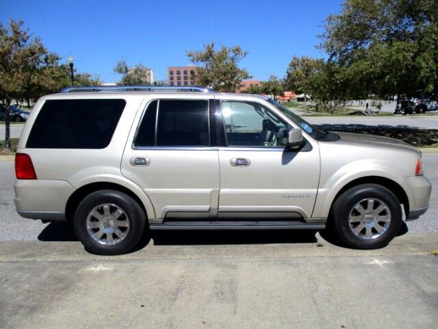 2004 Lincoln Navigator Luxury 2WD