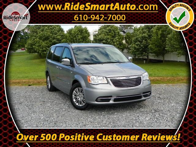 2014 Chrysler Town & Country Touring L-30th Anniversary Edition-Sunroof-Nav-Pwr