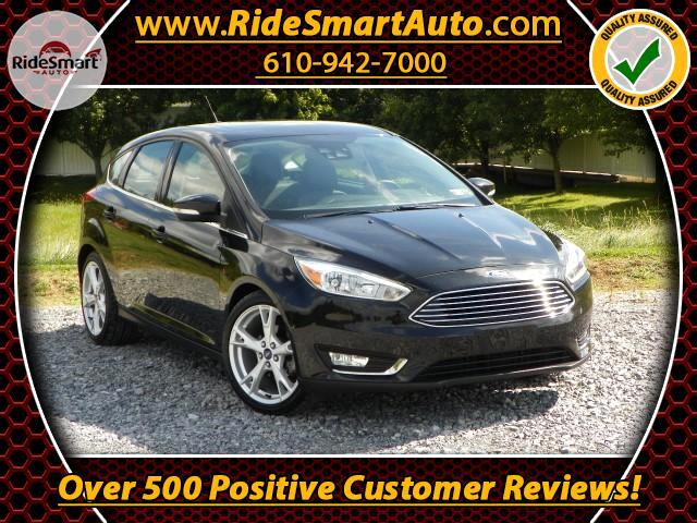 2015 Ford Focus Titanium Hatch 6-Speed-Nav-Leather-Sunroof