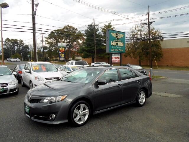 2013 Toyota Camry SE 5-Spd AT