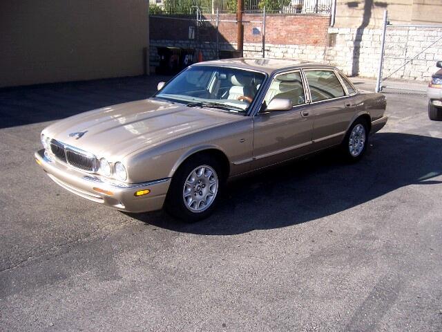 1998 Jaguar XJ Sedan XJ8