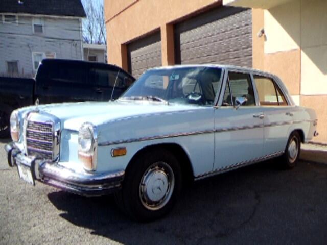 1972 Mercedes-Benz 250 SEDAN