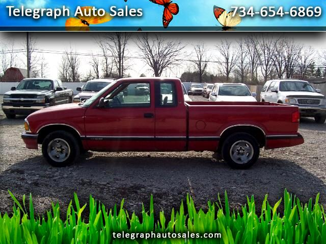1996 Chevrolet S10 Pickup LS Ext. Cab Short Bed 2WD
