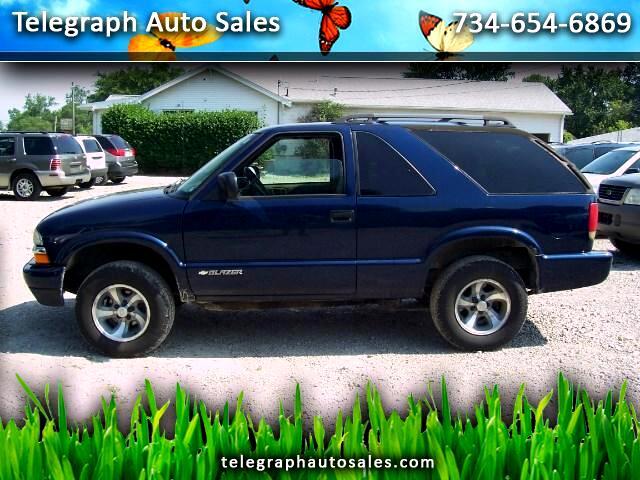 2004 Chevrolet Blazer 2-Door 2WD LS