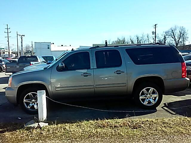 2009 GMC Yukon XL SLT-1 1/2 Ton 4WD