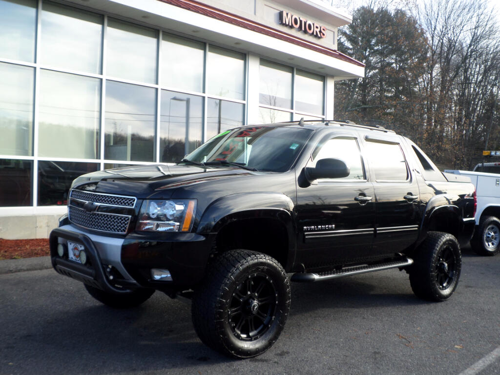 2011 Chevrolet Avalanche LOADED LIFTED BLACK ON BLACK LEATHER
