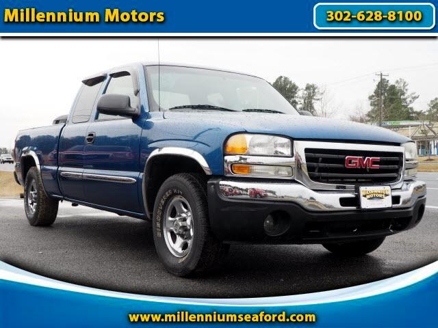 2004 GMC Sierra 1500 SLE Ext. Cab Long Bed 2WD