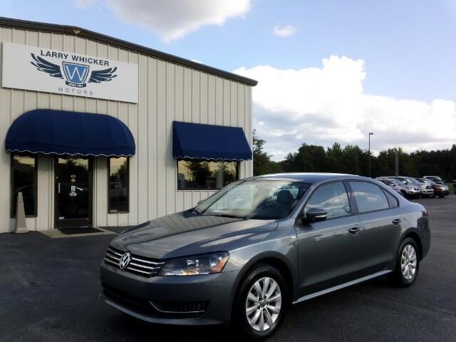2014 Volkswagen Passat 1.8T S AT