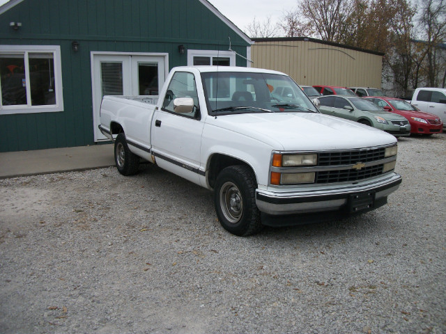 1993 Chevrolet C/K 1500 Reg. Cab W/T 8-ft. bed 2WD