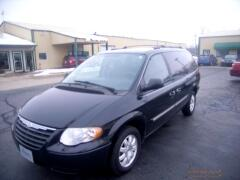 2005 Chrysler TOWN & COU