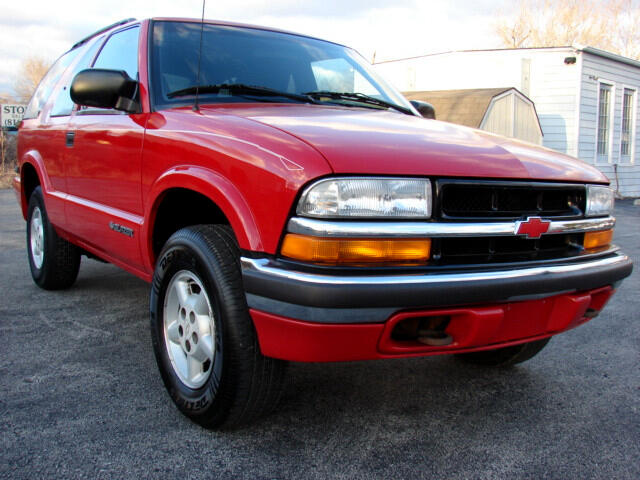 2000 Chevrolet Blazer LS 2-Door 4WD