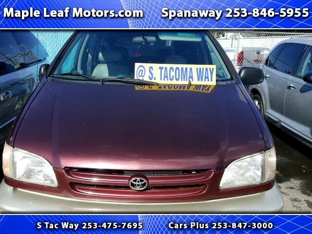1998 Toyota Sienna LE 4-Door