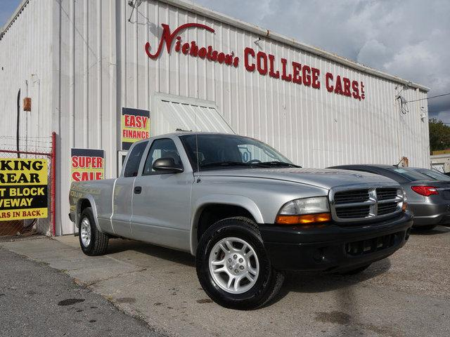 2004 Dodge Dakota Visit Nicholsons College Cars online at wwwnicholsoncarscom to see more picture