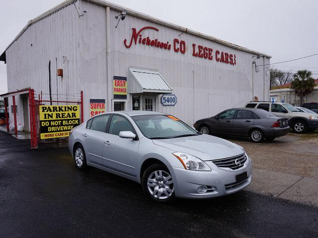 2012 Nissan Altima Visit Nicholsons College Cars online at wwwnicholsoncarscom to see more pictur