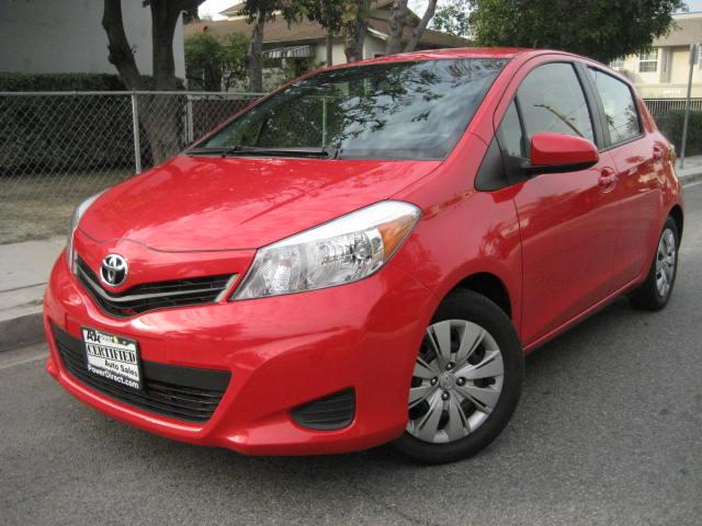 2013 Toyota Yaris This 2013 Toyota Yaris LOOKS SHARP and DRIVES PERFECT still under FACTORY WARRANTY