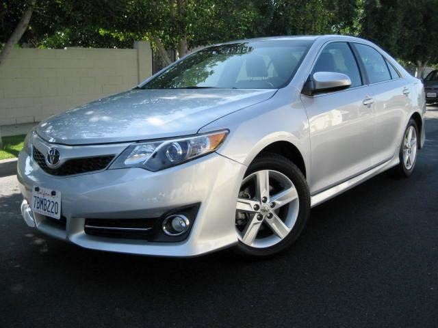 2013 Toyota Camry This is a Very Clean 2013 Toyota Camry SE Silver with Black Leather Trim Interior