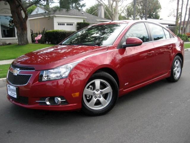2014 Chevrolet Cruze This is a 2014 Chevrolet Cruze Burgundy with Black interior NAVIGATION BACK U