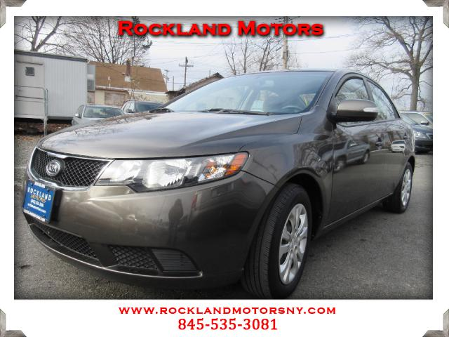 2010 Kia Forte DISCLAIMER We make every effort to present information that is accurate However it