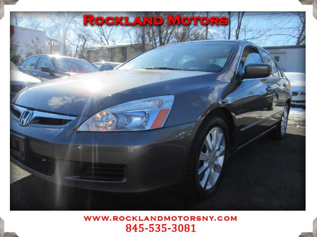 2006 Honda Accord DISCLAIMER We make every effort to present information that is accurate However