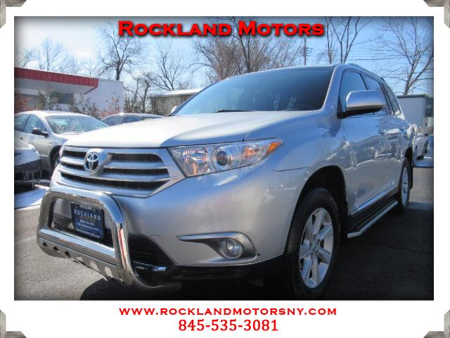 2013 Toyota Highlander DISCLAIMER We make every effort to present information that is accurate How