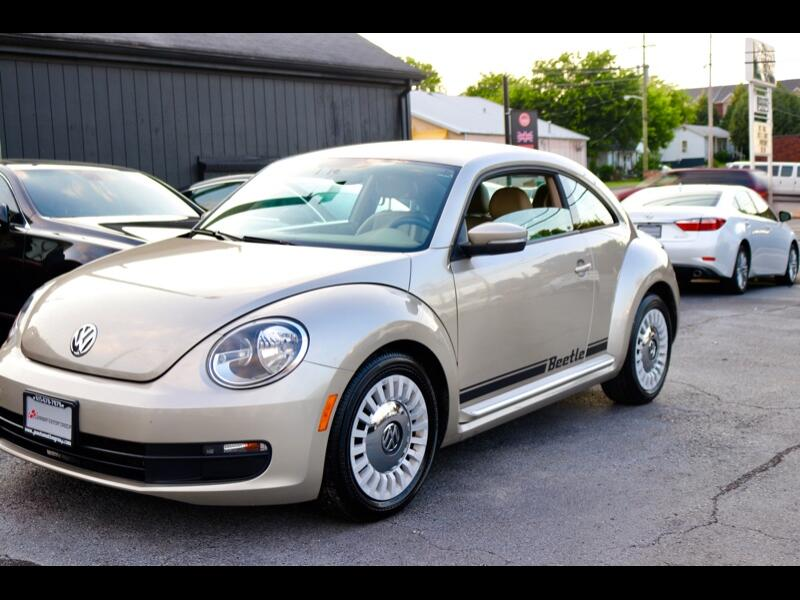 2013 Volkswagen Beetle 2.5L w/Sunroof Sound & Nav