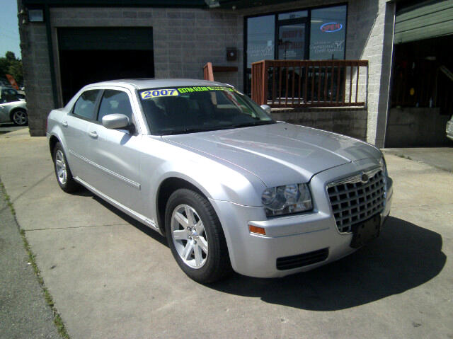 2007 Chrysler 300 Base 4dr Sedan