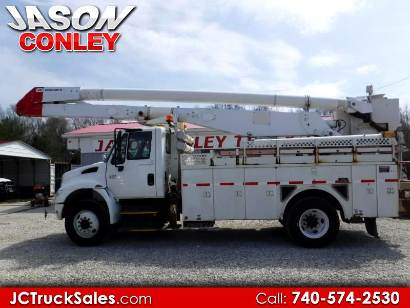 2005 International 4400 ALTEC AA755A