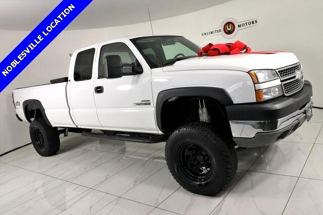 2005 Chevrolet Silverado 2500HD Work Truck Ext. Cab Long Bed 4WD