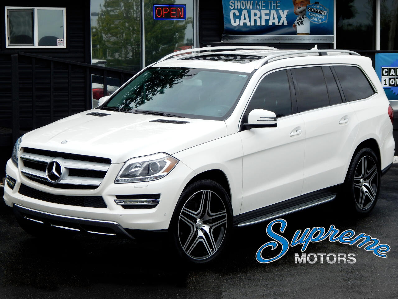 2015 Mercedes-Benz GL-Class GL450 4Matic w/AMG Sport Pkg + White on Black