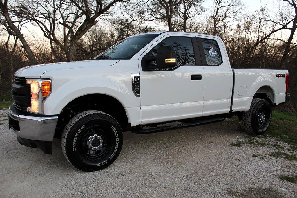 Ford F-250 XL SuperCab 4WD 2017